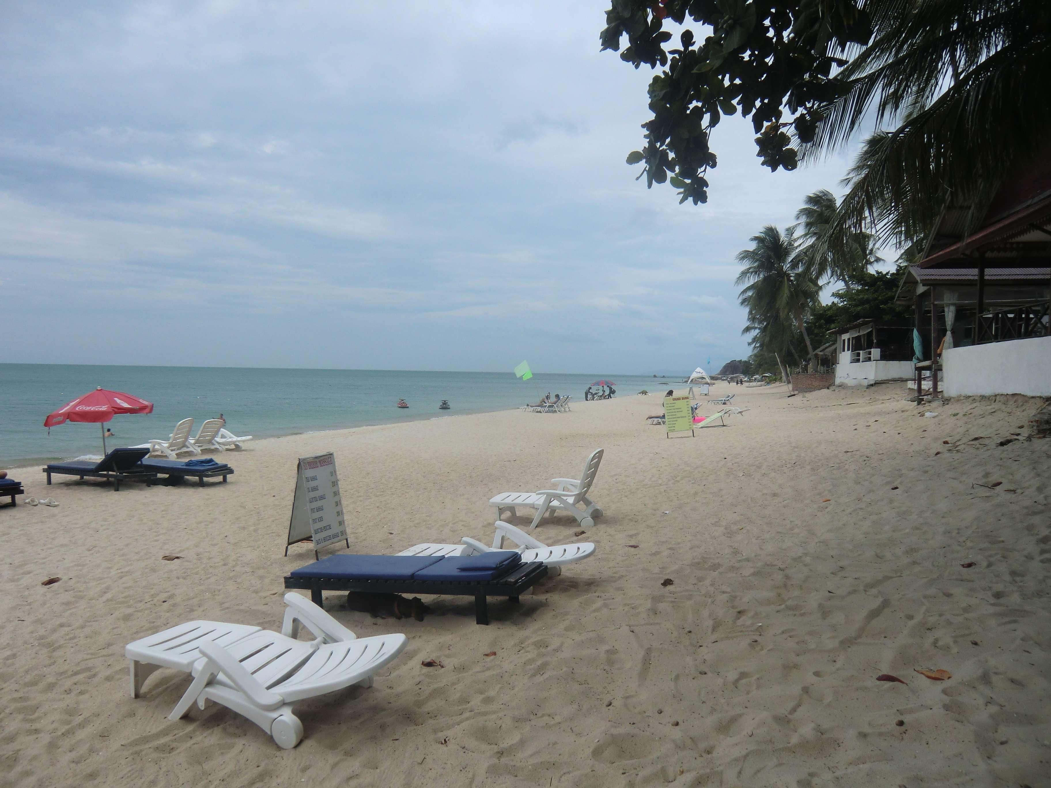 der Strand von Lamai rechtsseitig